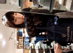 買い物中の可愛い私服JK少女をパンチラ盗撮☆チェックのパンティ隠し撮りの画像