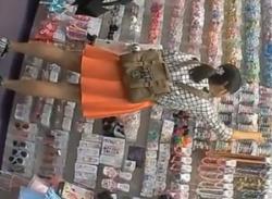 可愛らしいJC少女をパンチラ盗撮♪ミニスカのぞき見ロリパンティ隠し撮りの画像