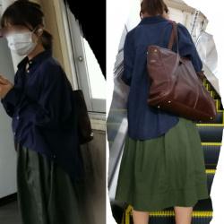 【撮影者不明】緑のスカート女性のパンツの画像