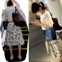 【撮影者不明】紺スカート女性のパンツをチェックの画像