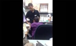 【カップル盗撮動画】仕事中バックヤードで同僚にフェラチオして貰う店員の画像