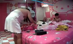 【ラブホテル盗撮動画】キティーちゃんホテルシリーズ、スレンダー彼氏とぽっちゃり彼女のセックスの画像