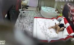【ラブホテル盗撮動画】風呂とベッドが仕切り無しで同じ部屋の画像