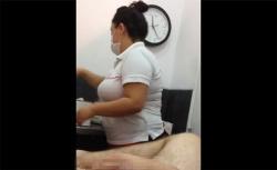【脱毛サロン盗撮動画】マスクに白衣にゴム手袋・・・間違いなく健全なんだろうってお店で受けるブラジリアンワックスの画像