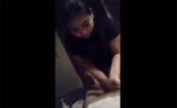 【マッサージ盗撮動画】ぽっちゃり女子の手コキサービスの様子の画像