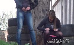 【野外オシッコ盗撮動画】若い女の子達が次々と用を足していく様子の画像