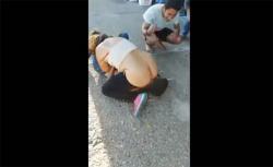 【パリピ隠し撮り動画】酔っ払ったビッチ、パンツ脱いで強引に男の顔面に跨るの画像