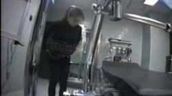 患者の女性達を隠し撮りする極悪婦人科医師、診察台の間近に仕掛けたカメラがの画像
