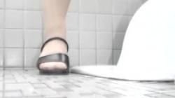 放尿にオナニーを隠し撮りされたOLギャル、和式便所での排泄に自慰行為をの画像