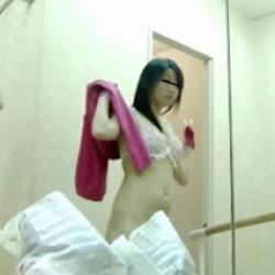 バレエ教室で着替え中のJCを隠しカメラが捉えた!おっぱい大きくて最高の抜きネタですwの画像