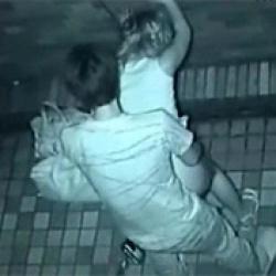 夜で暗いから周りから見えないと思って駐車場で青姦しているガチ素人カップルのセックス現場を赤外線カメラでがっつり盗撮する事に成功wの画像