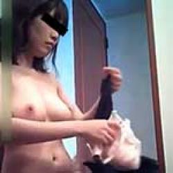 ラブホテルに呼んだ爆乳デリヘル嬢を脱衣所に仕掛けた隠しカメラでバッチリ盗撮!無表情ながらエロい身体が妄想力を掻き立てますwwの画像