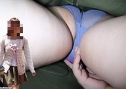 満員電車痴漢!可愛いミニスカ女子大生をねっとり激しく手マンするの画像