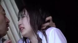 【松永さな 中条カノン 森本つぐみ】突然のゲリラ豪雨で近所の温泉宿で雨宿りする美人OL3人が男たちにタイトスカート着衣の輪姦レイプの画像