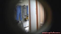 風呂上がりの全裸で過ごしてる裸族OLの無防備な姿を玄関から覗き見の画像