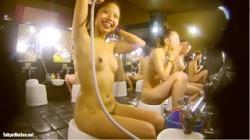 【銭湯盗撮】FHDスーパー銭湯 追い撮り!脱衣~洗い場、そして着替え、髪を乾かすまで完全追跡。の画像