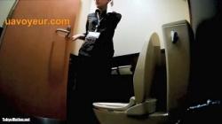 【盗撮】 ピンクの時計 番外編 トイレ鑑賞 スカートめくちゃいました!Vol.023の画像