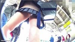 【逆さ撮り盗撮】クリオネ パンチラHOLIC・15の画像