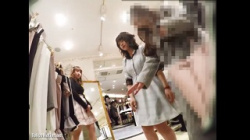 【逆さ撮り盗撮】ミミック【ショップ店員8】感じの良いガーリー系店員さんのピンクP。【声かけ】の画像