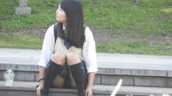 【YUKI作品】制服姿の可愛いコを発見!!(FHD)大変です!!パンツが見えてますよ6【JKパンチラ盗撮】の画像