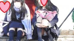 【YUKI作品】制服姿の可愛いコを発見!!(FHD)大変です!!パンツが見えてますよ 8【JKパンチラ盗撮】の画像