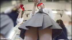 【♡ren♡pantila作品】電車通学中のムッチリ太ももな美少女JKを逆さ撮り【JKパンチラ盗撮】の画像