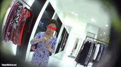 【逆さHERO作品】店員撮り32!僕が恋した美人すぎるドレスの店員さんオメコの割れ目?!そしてその黒ずみの真相は・【パンチラ盗撮】の画像