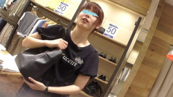 【逆さHERO作品】店員撮り35!ピュアな店員オナニーのお手伝いに一生懸命。顔と中身は比例する。【パンチラ盗撮】の画像