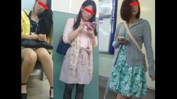 【キューブ作品】3人のウルトラSSS級お姉さんをスカートめくりでパンティ丸見え!!番外編1 【パンチラ盗撮】の画像