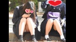 【YUKI作品】驚愕!!乃木坂系の美少女発見!!(FHD)純白パンチラのKちゃん!!大変です!!パンツが見えてますよ特別編25【JKパンチラ盗撮】の画像