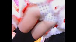 【TIGER#8217;S EYE作品】かわいいサンタ店員が接客しながらパンツまる見え!!お尻も触ってみた!!Part2【パンチラ盗撮】の画像