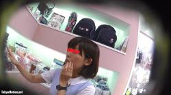 【逆さHERO】【パンチラ盗撮】  店員撮り17!皆大好きベビー服売り場店員さんの純白パンティ!の画像