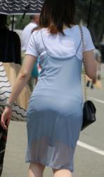 【拾い透け】パンティが透けたお尻を魅せつける女性たち!Vol.10の画像