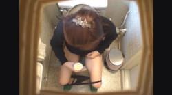 25歳の長身OLハルミさん ~待合室・採尿~ 婦人科診察のすべて  File02-aの画像