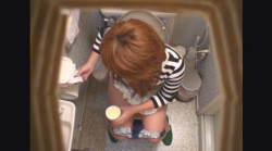 性病に感染してしまった19歳金髪おねーちゃんのサキさん ~待合室・採尿~ 婦人科診察のすべて  File06-aの画像