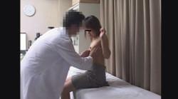 22歳現役女子大生ジュンさんのおっぱいを揉みまくり ~ 生理不順 エコー&触診 ~都市型産婦人科クリニックFile25の画像