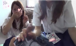【JKオナクラ盗撮】個室待機のJKリフレ嬢に禁断の裏OP。ロリっ子のパンツを見学する店というよりはH有りの闇風俗に近い!?パンツの上からマンコを触ってみたり、チンポをシゴいて貰ったり・・・。【Pornhubエロ動画】の画像