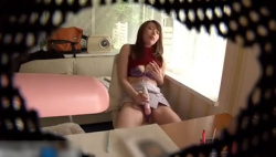 家庭教師の美人お姉さんが電マオナニーしているところを隠し撮り!!!の画像