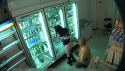 万引きで補導された女子学生が店長にエッチなお仕置きされちゃいますぅ!!!の画像
