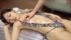 マイクロ水着を着た美人お姉さんが性感オイルマッサージを受けて感じまくっちゃいますぅ!!!の画像