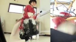 振袖ギャルが尿意を抑え切れず着たままのお漏らしオシッコ、高価な和服に恥ずかしい大きなシミをの画像