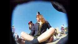 【盗撮・パンチラ】夢の国のシンデレラ城広場で撮影に必死な2人組女子高生のパンティを盗撮の画像