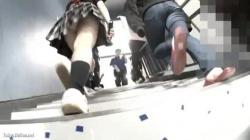 【盗撮・パンチラ】高校の文化祭に侵入した盗撮師!学校なので女子高生のパンティ盗撮し放題!の画像
