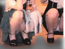 【本物盗撮】結婚式の披露宴会場が着飾った女どものパンチラや胸チラが撮り放題だったんですけどwの画像
