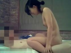 ラブホテルで生々しいセックスをしている若者素人カップルを隠し撮りの画像