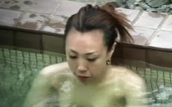 【盗撮】 露天風呂盗撮動画!高画質で美女の入浴を隠し撮りに成功しています!REDTUBEの画像