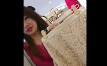 【盗撮】 ショップ店員のスカート逆さ撮り!美人店員のTバックを高画質撮影動画!の画像