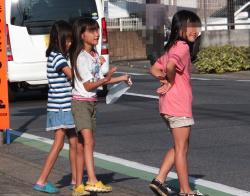 【JS盗撮エロ画像】ロリ幼女たちの健康的な生足を見ていたら心がザワつくwwwの画像