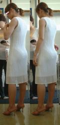 【透けパン盗撮エロ画像】スカートから透けてるパンティーを二度見して目に焼き付きよう!の画像
