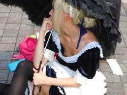 【ハプニングエロ画像】コミケなどのイベント会場で可愛いレイヤー達が乳首ポロリしてる件!の画像